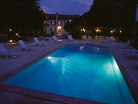 piscine la nuit hotel restaurant les alpes greoux les bains