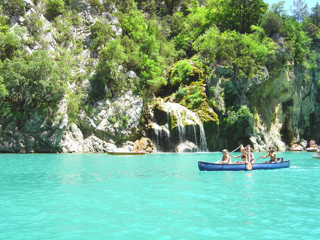 Hotel 3 etoiles avec piscine gorges du verdon hotel spa for Piscine vinon sur verdon