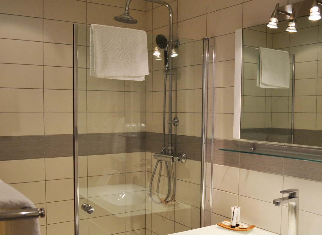 Salle de bains Hôtel des Alpes Gréoux 2014