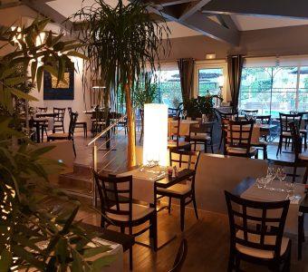 Hôtel des Alpes Gréoux Les Bains salle de restaurant