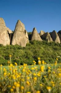 Alpes de Haute Provence pénitents des Mées